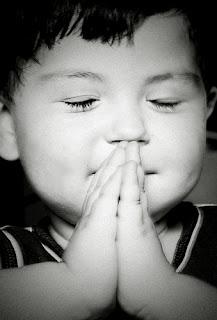 Funny little boy praying to Jesus joke picture