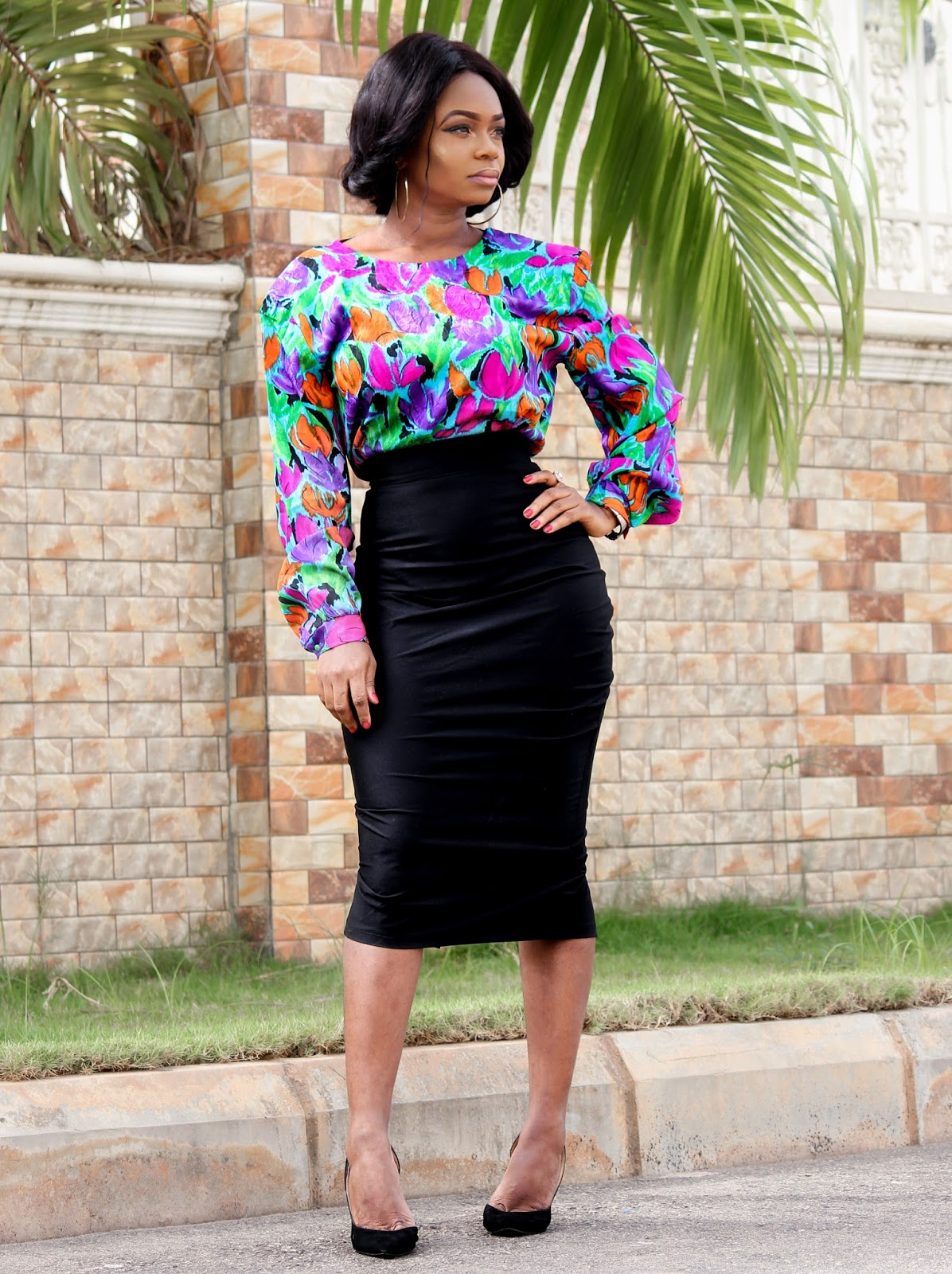 VINTAGE FLORAL - Vintage Floral Top from Vintage Closet and Black Pencil Skirt from Porshher