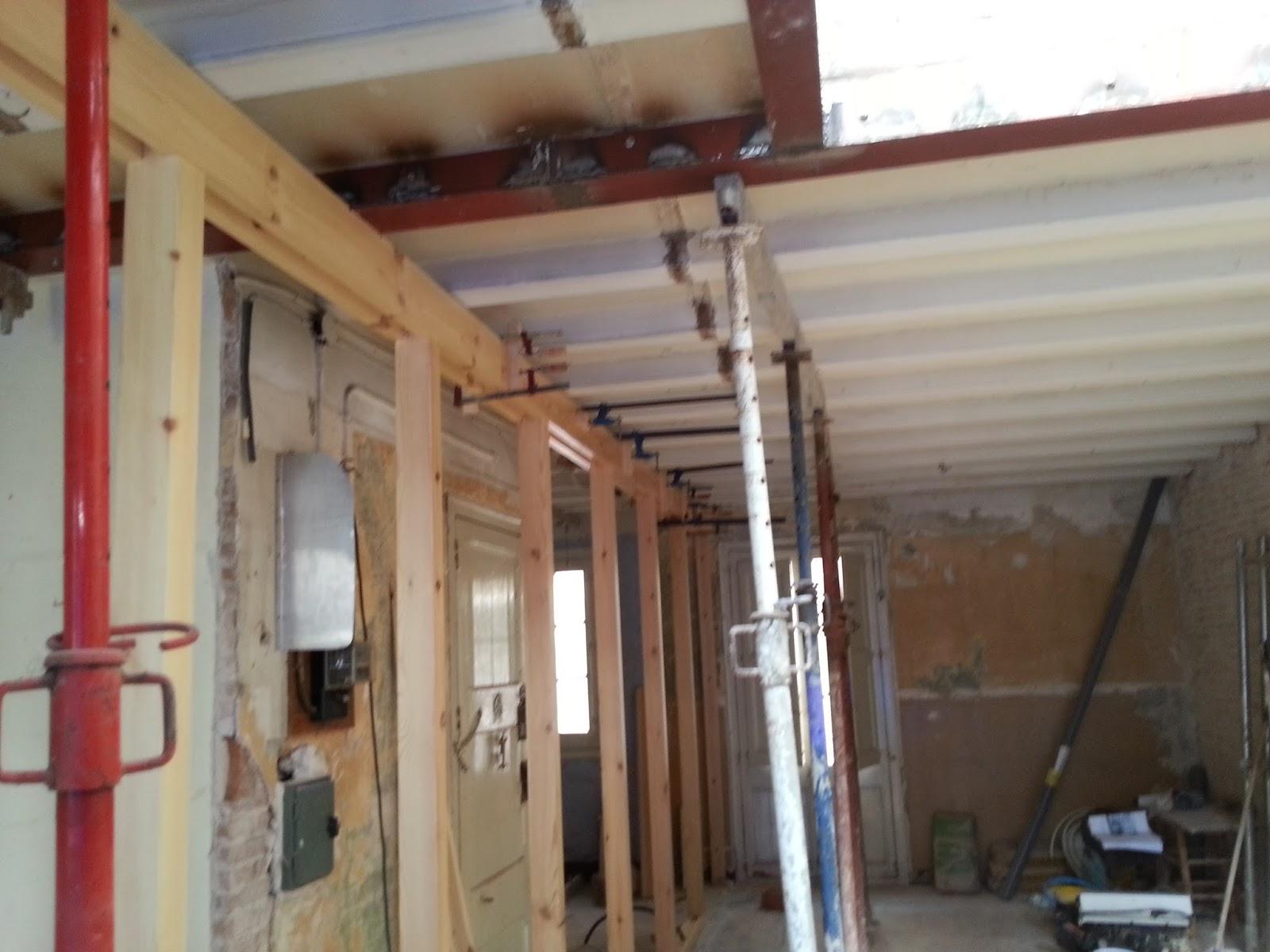 Muebles de madera construccion de estructura de soporte y for Construccion de muebles de madera