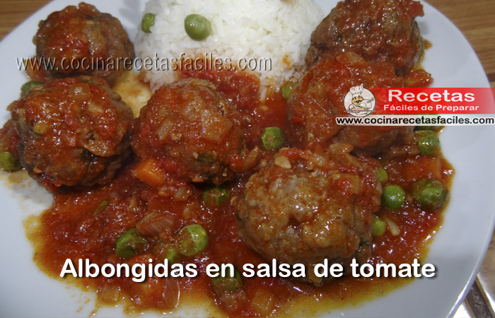 Una deliciosa receta casera de albóndigas con salsa de tomate ideal para toda la familia, sabrosa y con verduritas.  Además es muy rápido y fácil de preparar.