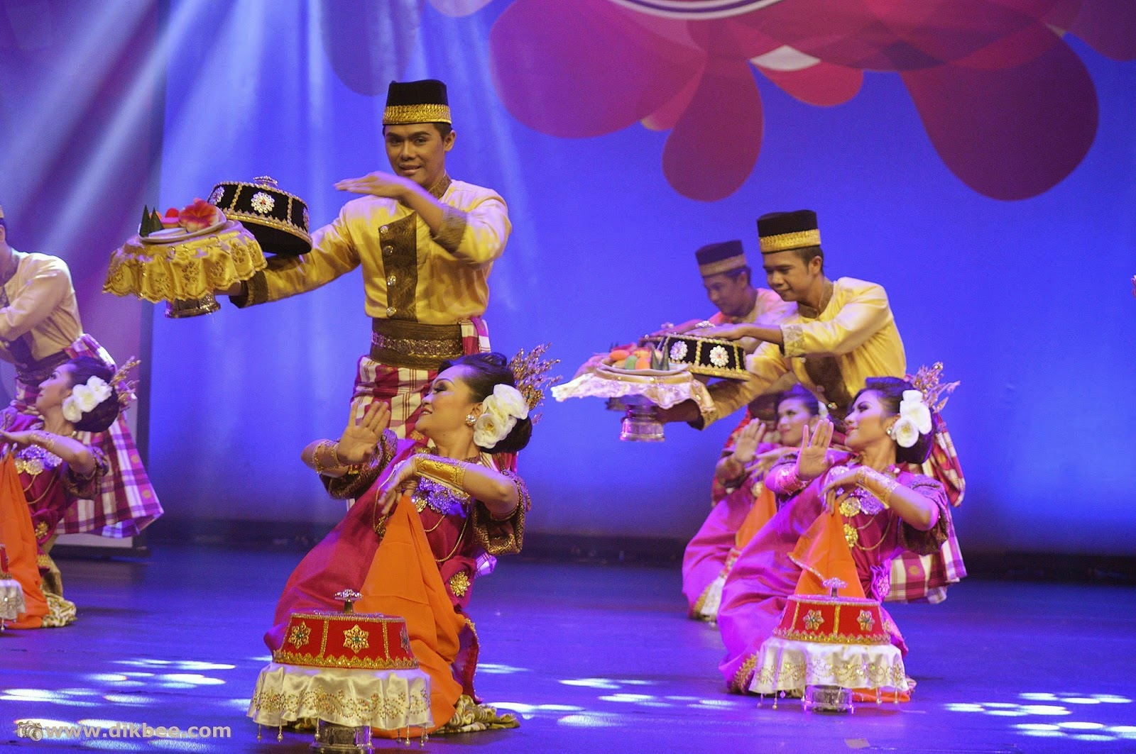 Inspitari 2014 Martabat Karya Tarian Baru Elemen Tradisi Blogger2u
