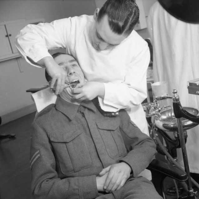 British Army dentist at work, 9 January 1942 worldwartwo.filminspector.com