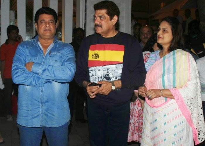 Pankaj Dheer, Upasana Singh, Pics from Condolence Meeting of Late Filmmaker Ravi Chopra
