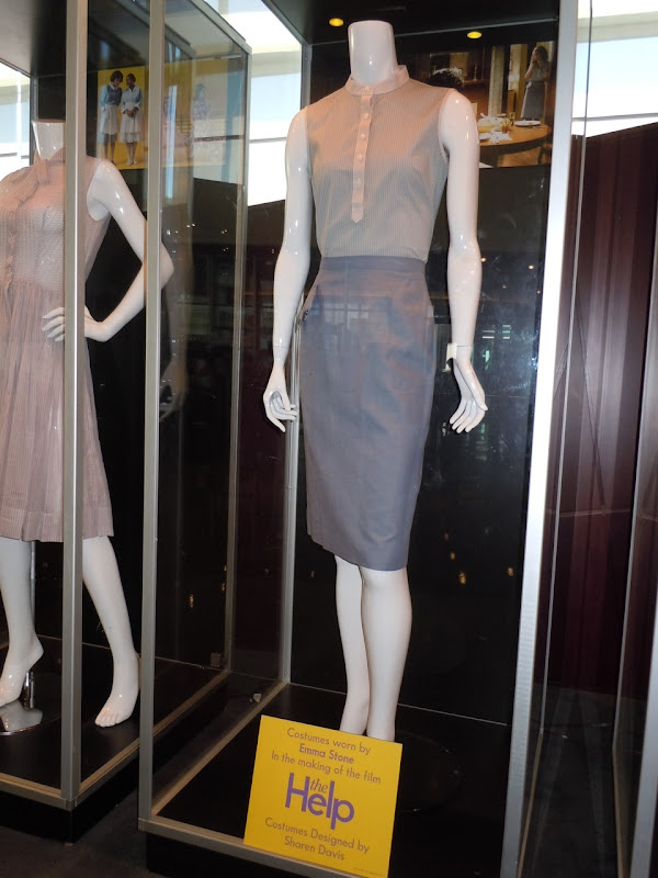 Emma Stone The Help costumes