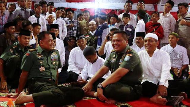 Buka Puasa dan Salat Tarawih Bersama Anak Yatim Aceh, Panglima TNI Tuai Pujian Netizen