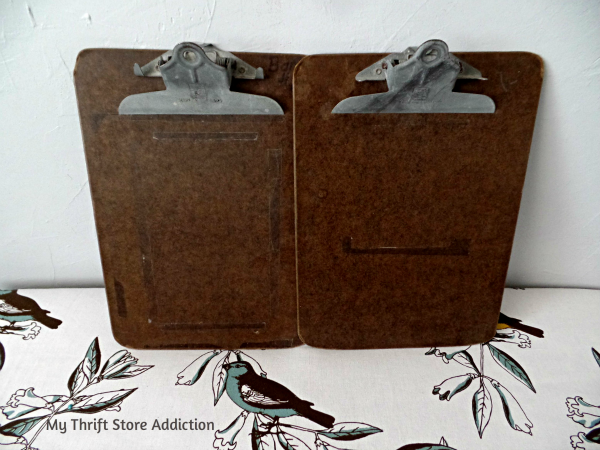 The 15 Minute Fix: Mixed Media Clipboard Art mythriftstoreaddiction.blogspot.com Created with a thrift store clipboard!
