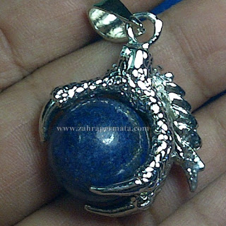 Liontin Batu Lapis Lazuli