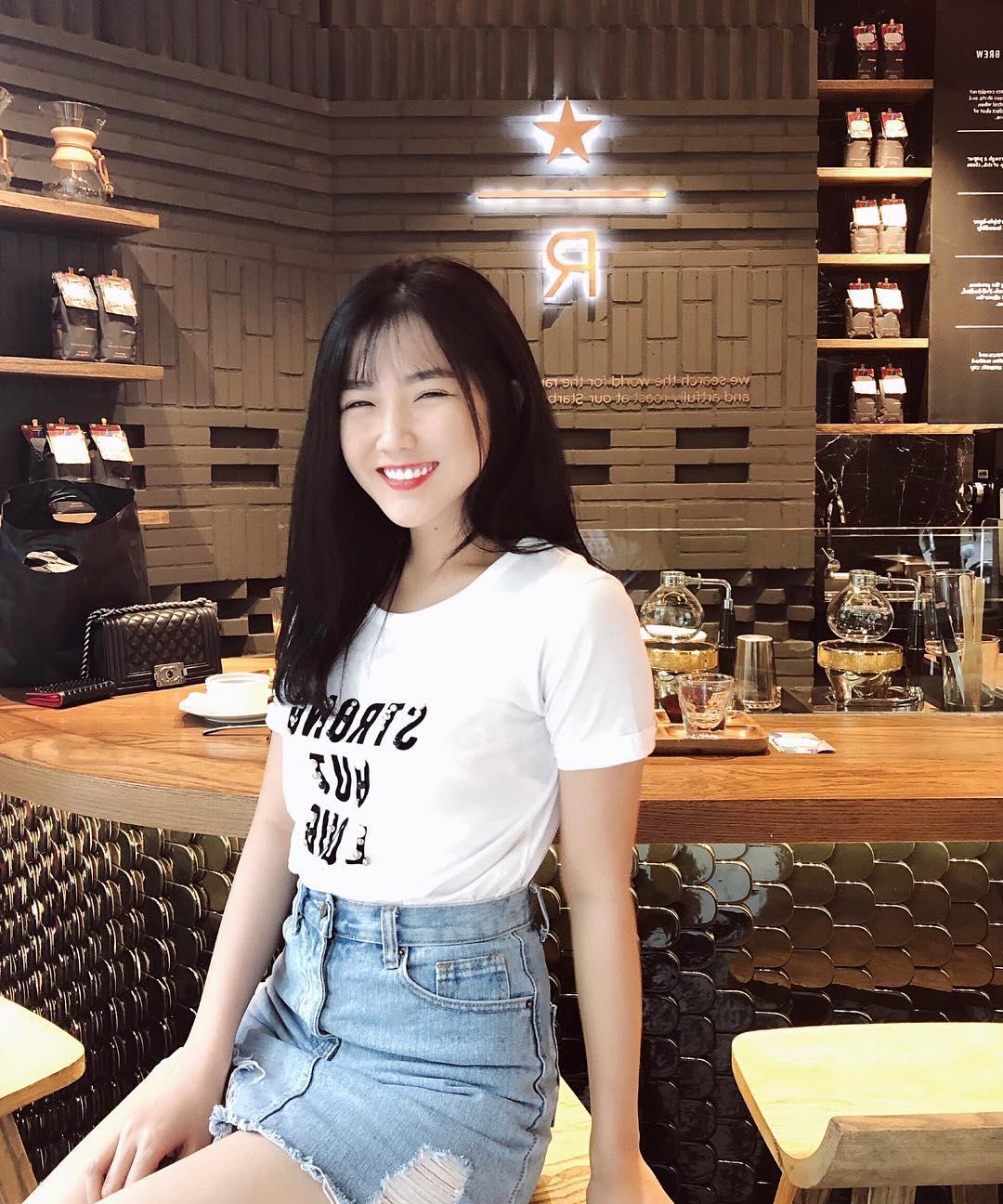Kiều Trinh: Từ 'cô gái trà sữa' tới hot girl theo phong cách sexy