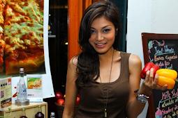 Profil dan Biodata Chef Karen Carlotta lengkap Akun Media Sosial
