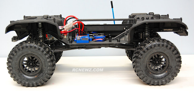Traxxas TRX-4 chassis side