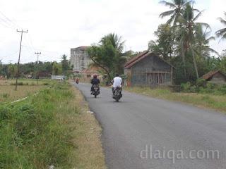 kondisi jalan dan pemandangan di sekitar titik awal