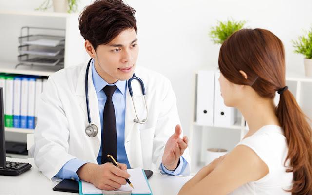ปรึกษาบุคลากรทางการแพทย์ เพื่อขอคำแนะนำเกี่ยวกับภาวะซึมเศร้า และการรักษา