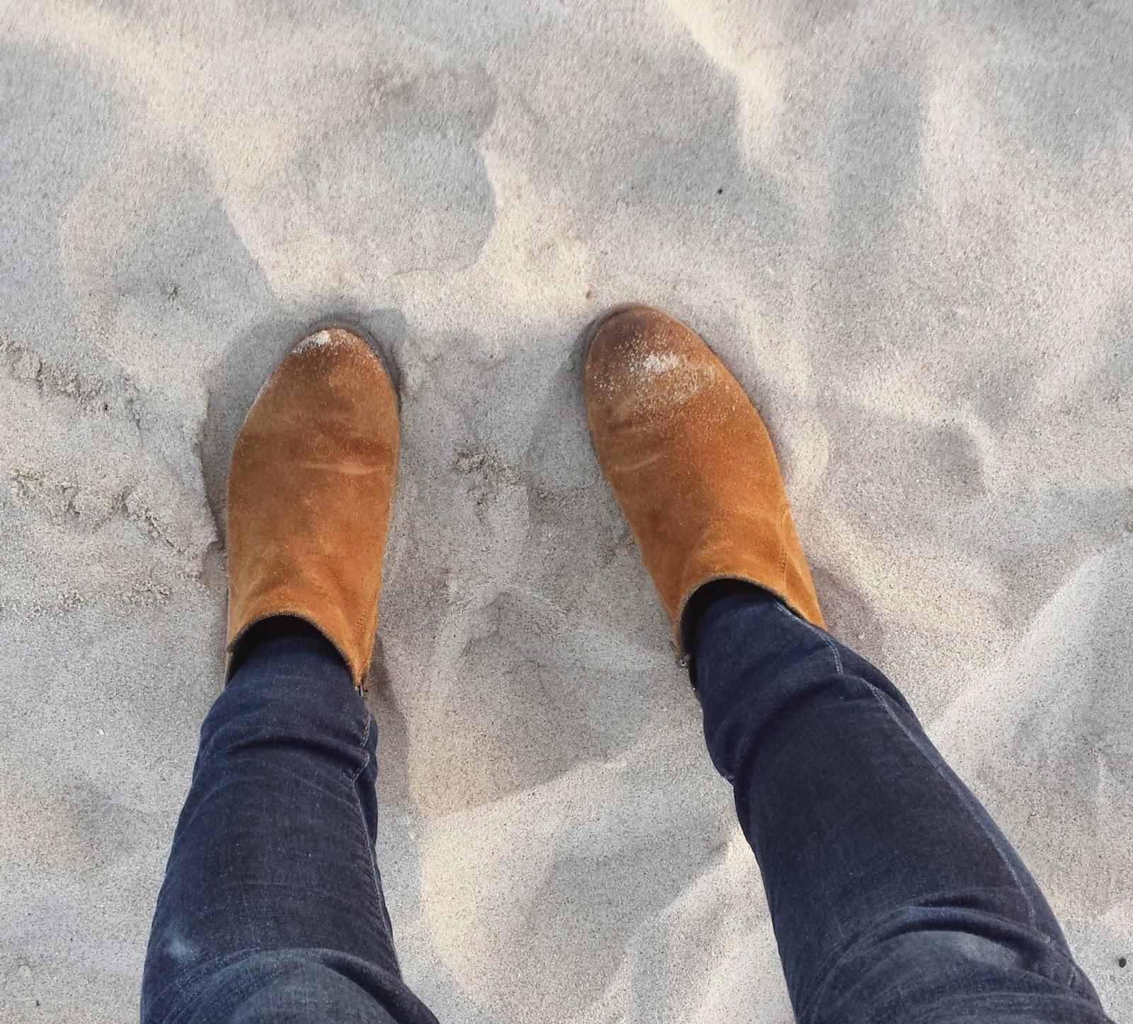 12a36be7c9f73 Vida de Mulher aos 40  Pés na areia e olhos no mar