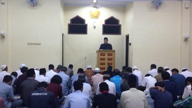 Gerakan sholat tahajjud bersama Universitas Muhammadiyah Jember
