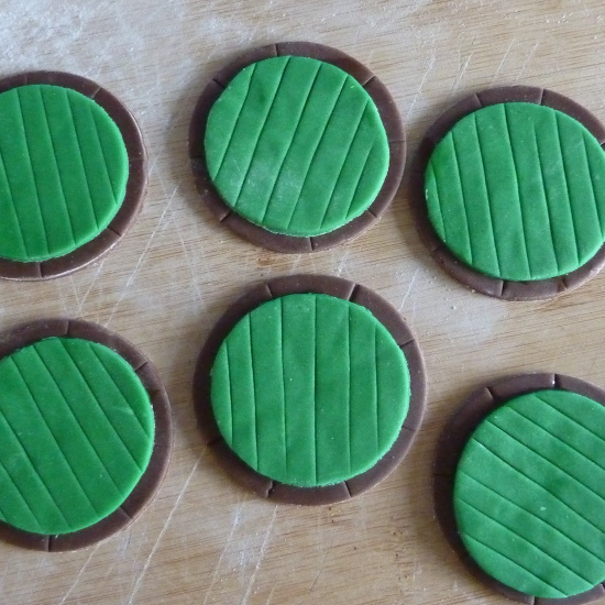 green and brown fondant icing for an edible fairy hobbit door