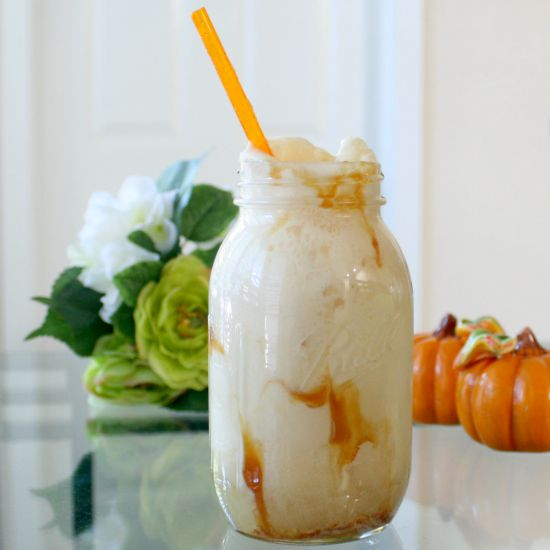 Apple Cider Floats - perfect for welcoming Fall | Jordan's Onion