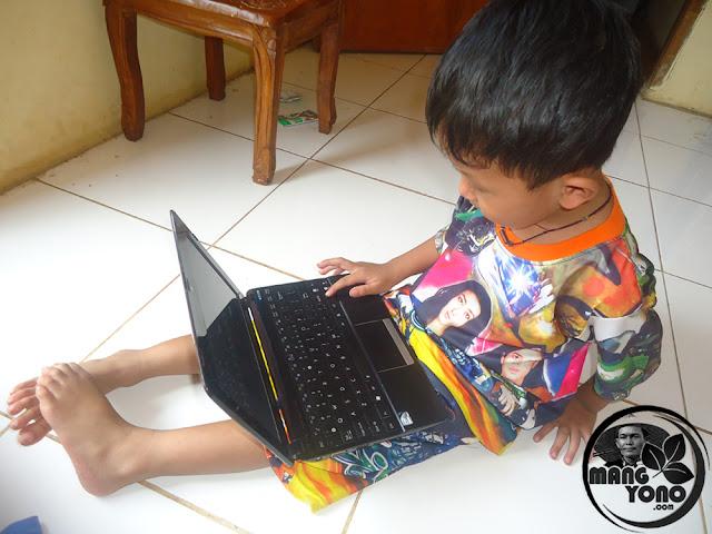 Pengenalan komputer pada anak sejak dini... Apakah perlu?.