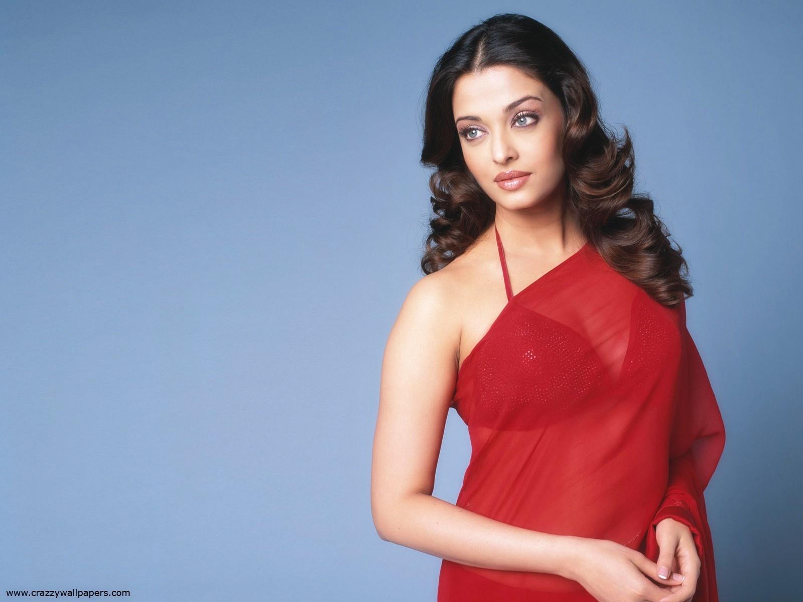 Bollywood Actresses Wallpaper Aishwarya Rai In Red Saree-8766