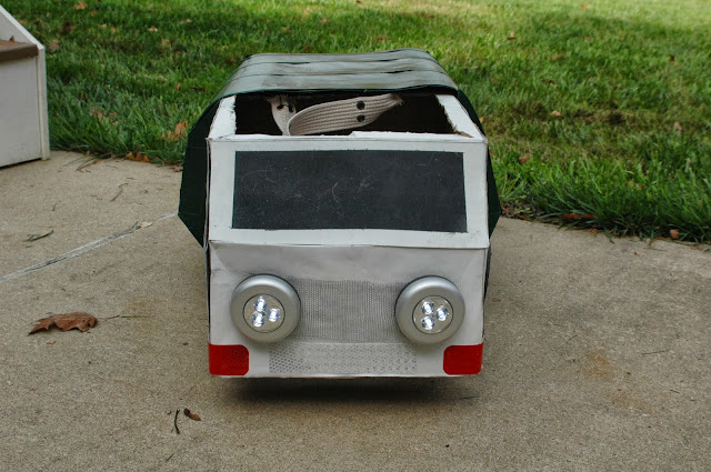 Front of DIY trash truck costume