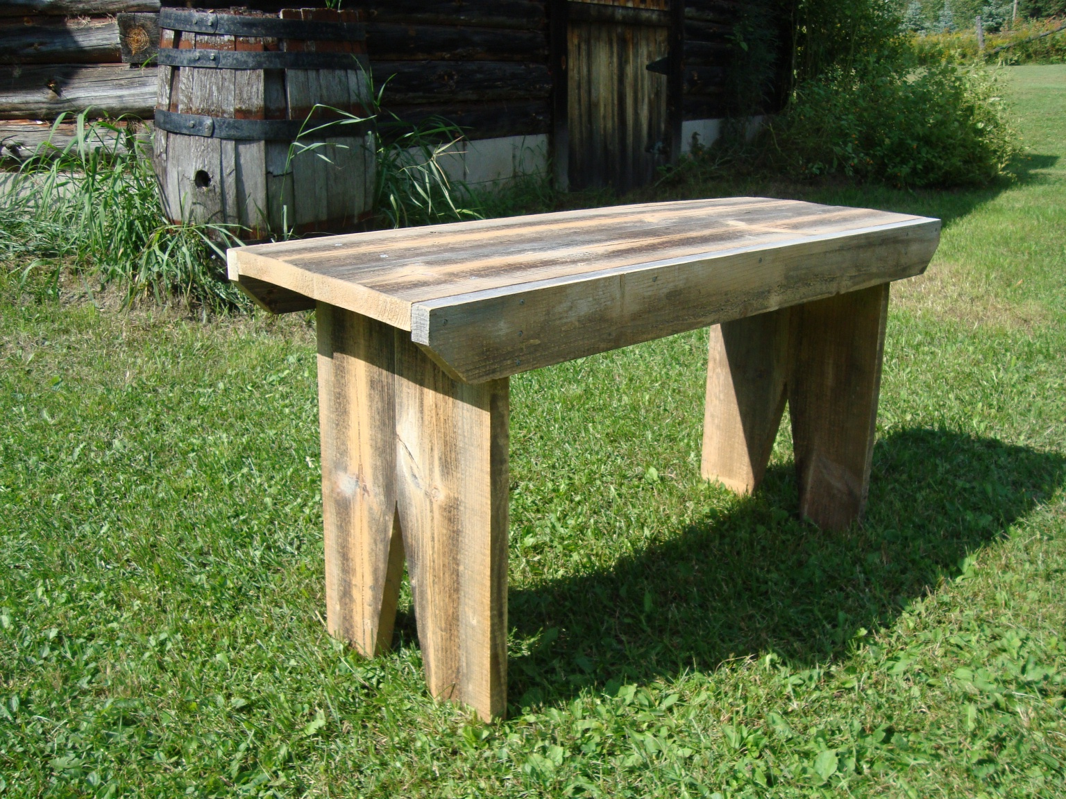 Wood Project Ideas: Barn wood bench plans