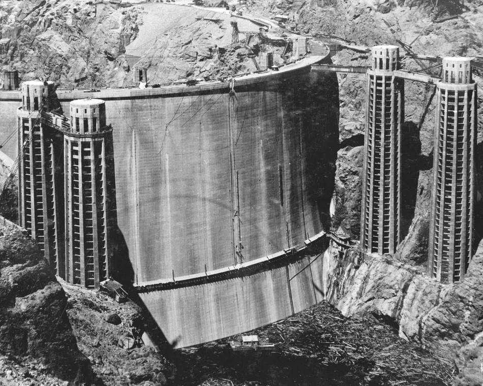 46 Unbelievable Photos That Will Shock You - Rarely Seen Back of the Hoover Dam Before It Was Filled with Water in 1936