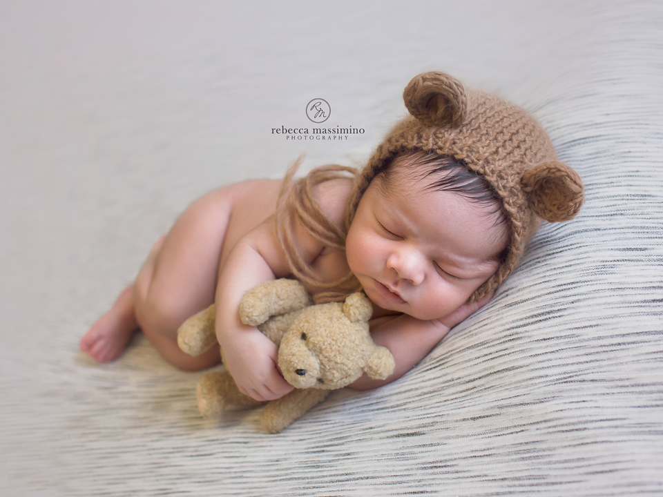 To schedule your newborn session click here