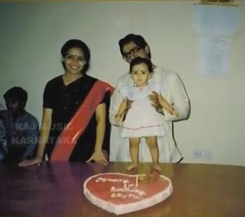 Sruthi Hariharan childhood family