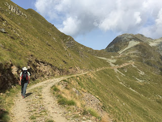 Walking from Rifugio Montebello to Lago Moro.