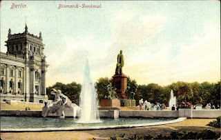 Berlin, Bismarck-Denkmal vor dem Reichstag