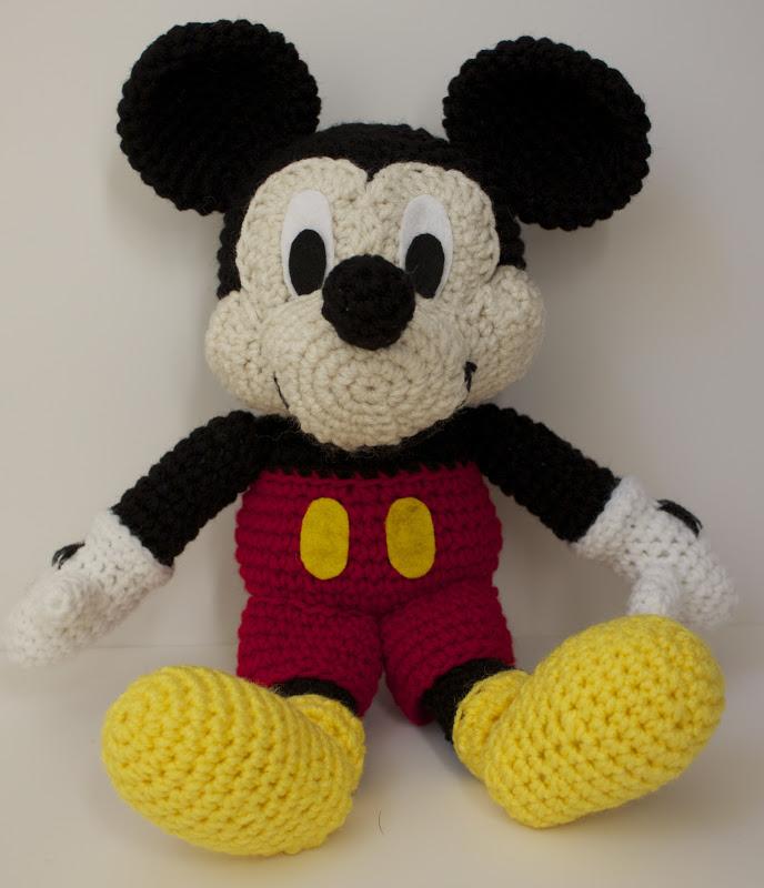 Amigurumi Crochet Mickey Mouse Patterns - Amigurumi Patterns Tutorials | 800x688