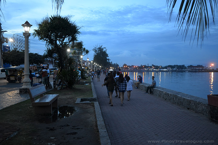 Late afternoon at Rizal Boulevard