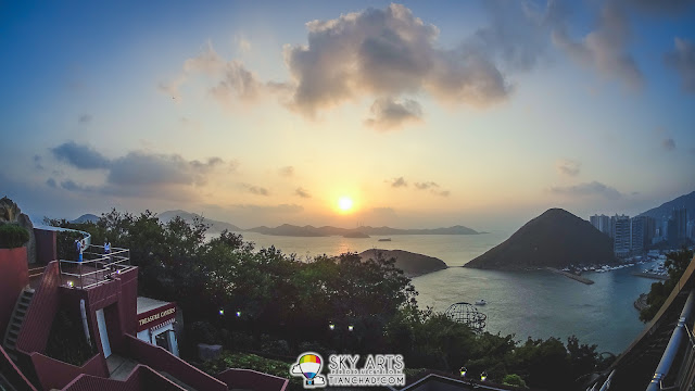 Beautiful sunset at Hong Kong Ocean Park