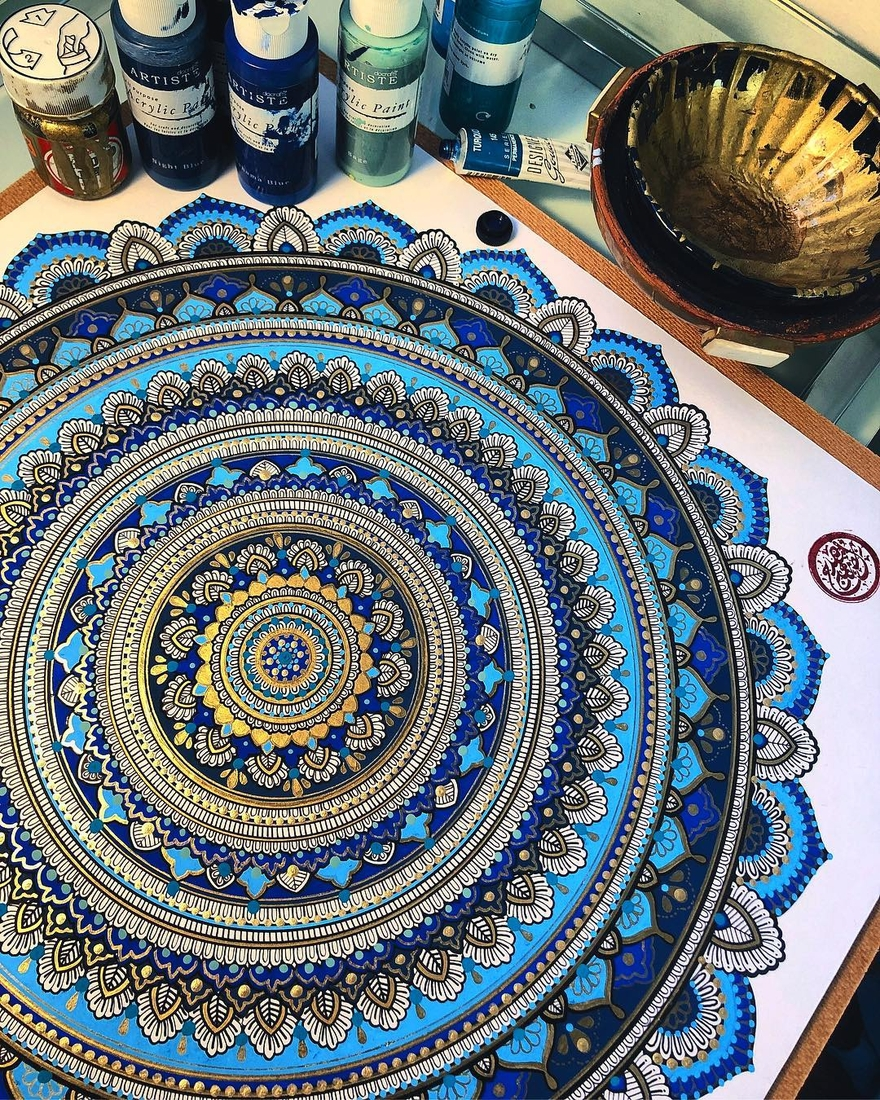 05-Asmahan-Mosleh-Mandala-Drawn-and-then-Painted-with-Color-Themes-www-designstack-co
