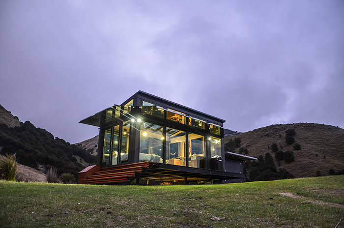 TINY HOUSE TOWN Pure Pods Glass Cabins
