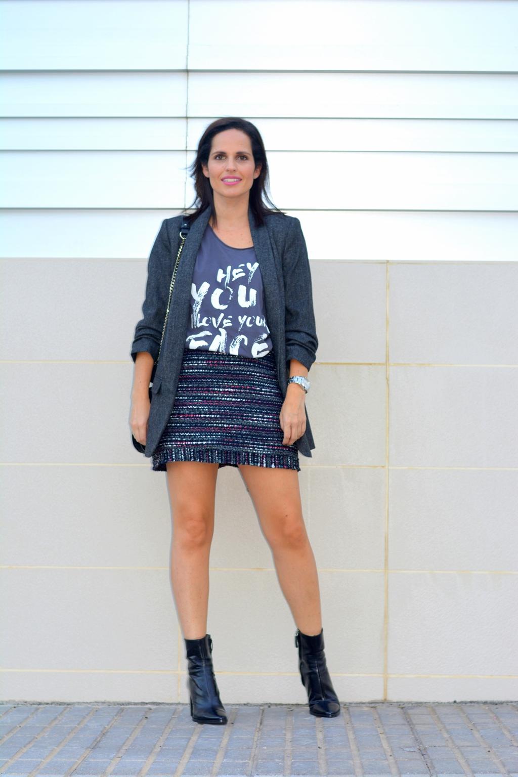 outfit-falda-tweed-blazer-zara-rojo-piruleta-street-style