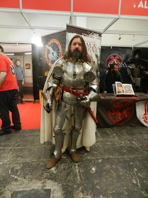 Este tipo llevaba una armadura de verdad. ¿Sería de 1.6 o de 1.9mm?