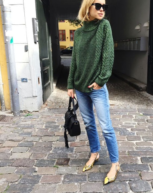 olive green sweater jeans and flats street style casual chic fall fashion outfit