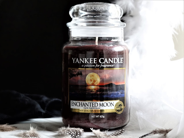 avis Enchanted Moon de Yankee Candle, lune mysterieuse yankee candle, bougie enchanted moon, bougie parfumee, bougie, blog bougie, enchanted moon review, yankee candle review