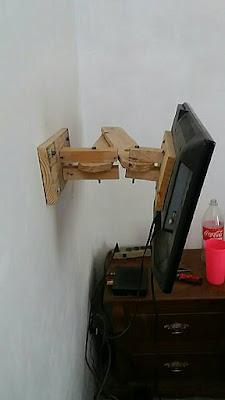 brazo soporte pared television DIY con madera