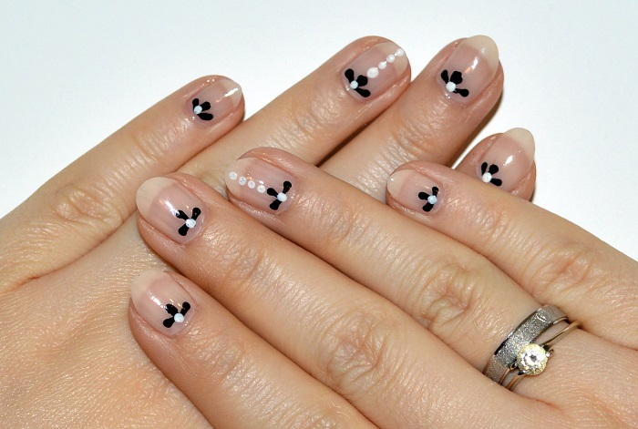 #beauty, #nails, beauty, nails, nude nails, nude nails with flowers,