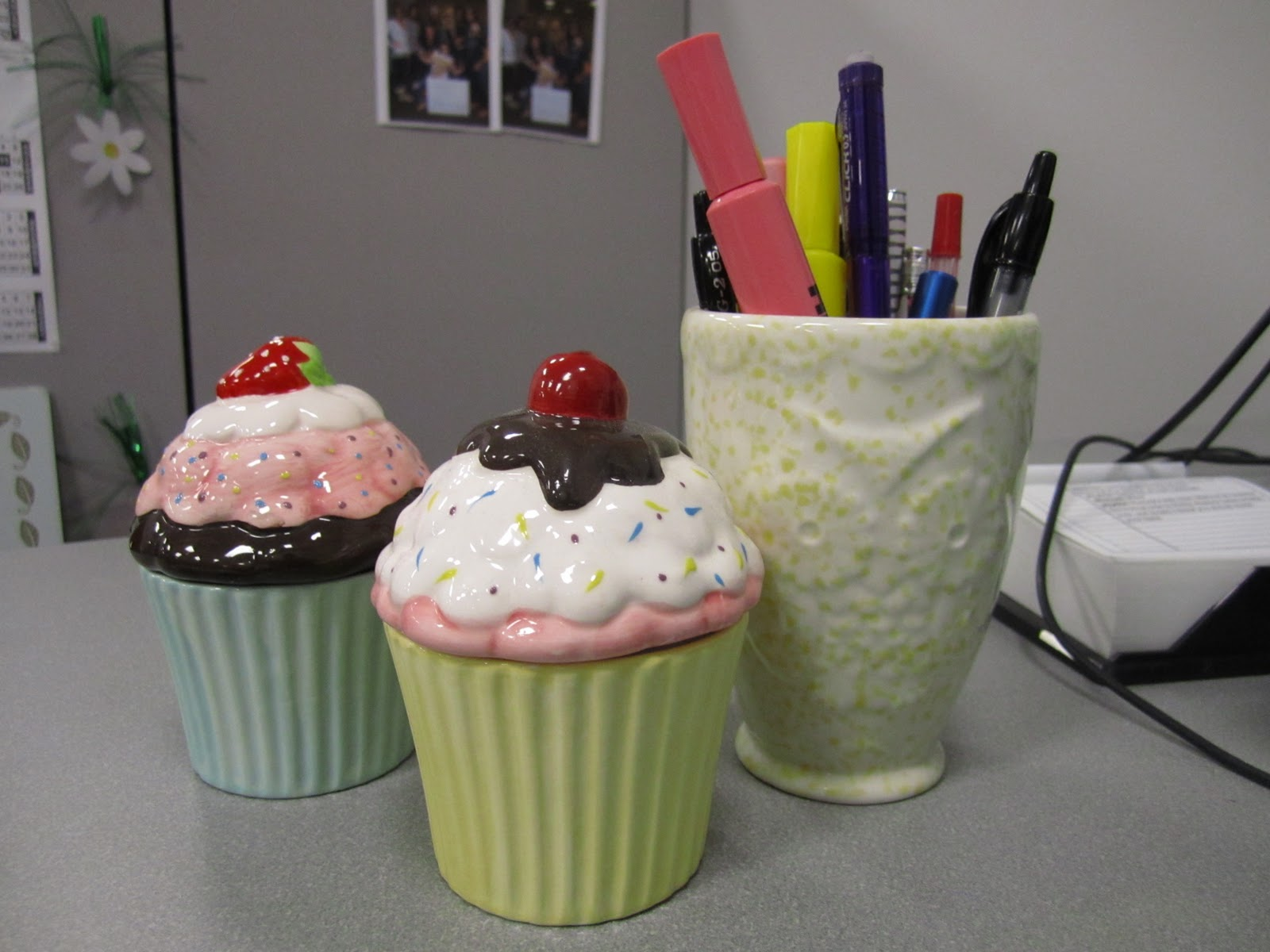 { The Life In Cupcakes }: Cupcake Things At The Workplace