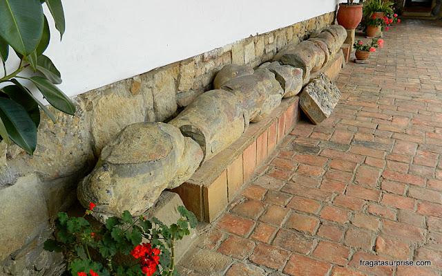 Fóssil de uma cobra no Museu do Mosteiro Ecce Homo, Villa de Leyva, Colômbia