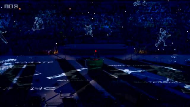 Shinzō Abe dropping Mario clothes on warp pipe hat overalls Rio 2016 Closing Ceremony