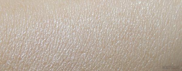 revue avis test swatch laura mercier rose gold peach glow matte radiance baked powder