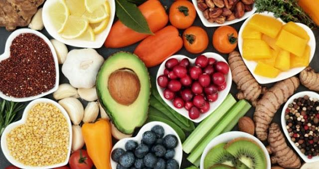 Ushqimet që përmirësojnë shëndetin e enëve të gjakut, sipas stinës