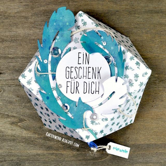 http://kartenwind.blogspot.com/2016/09/geschenkboxen-deko.html
