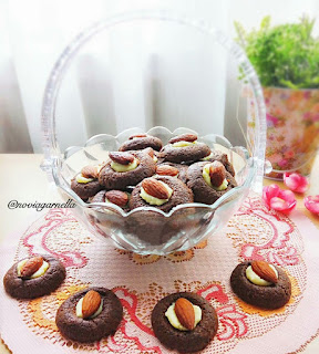 Ide Resep Kue Kering Choco Almond Thumbprint Cookies