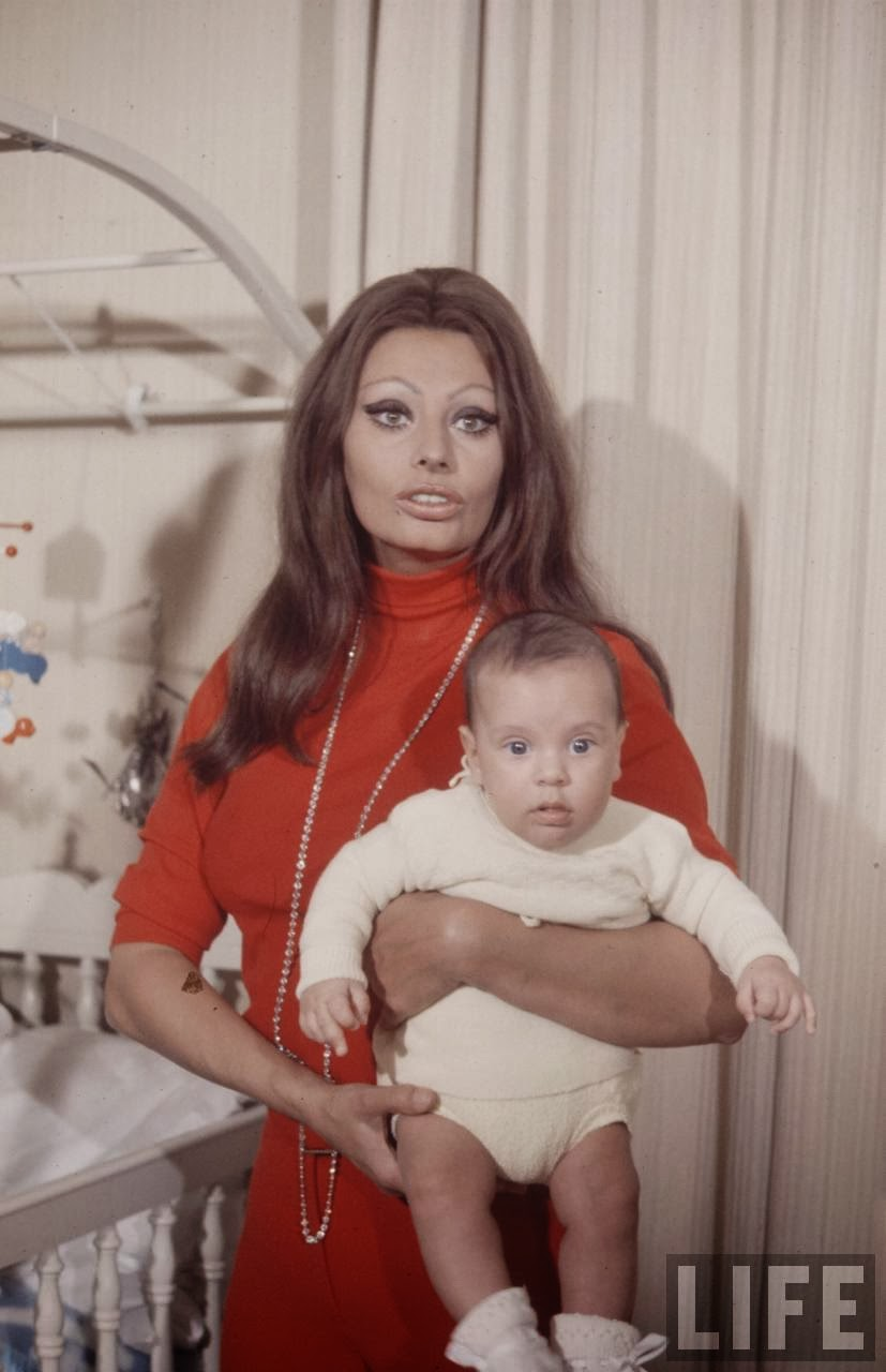 Sophia Loren And Baby 1969 Vintage Everyday
