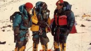 "Ketika SI ""Hantu Gunung"" Geleng-Geleng Kepala Saat 3 Kopassus Sampai ke Puncak Everest!"