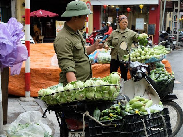 vietnam marchand rue legumes hanoi